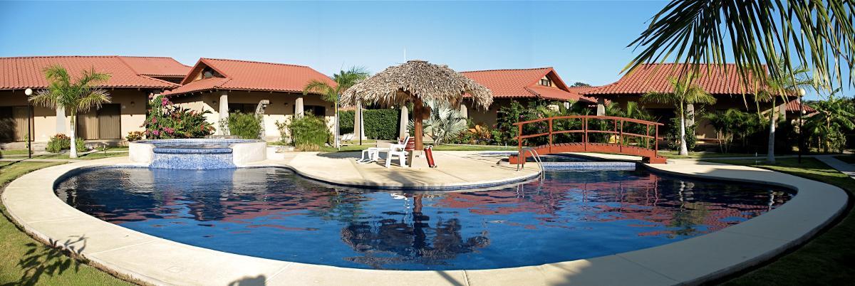 Residence4-piscine-claudia-2012